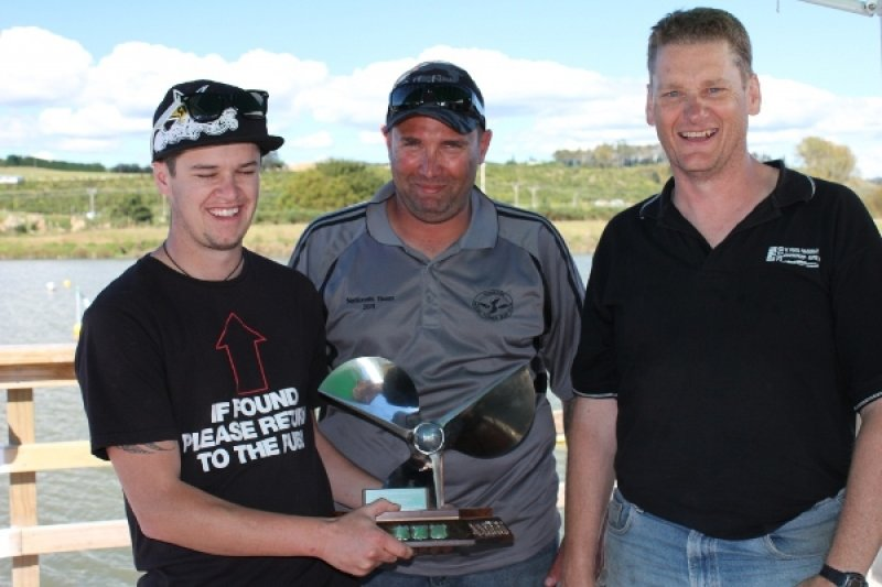 hamilton-club-thunder-down-under-trophy